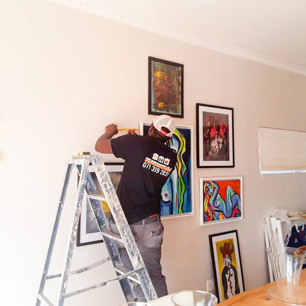 Pro Picture Hanging Bantry Bay